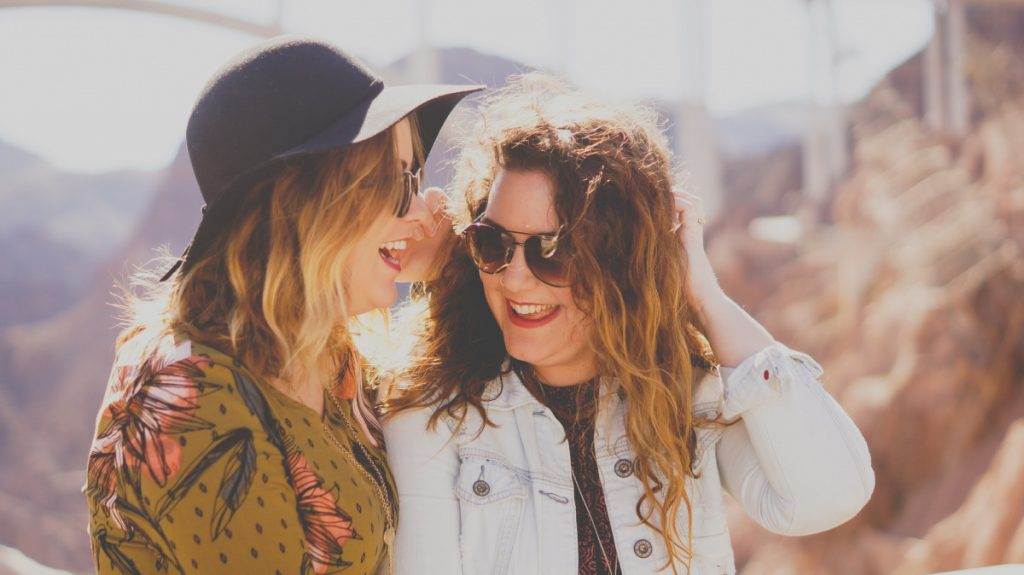 How to Meet Travel Companions While You're Traveling Solo