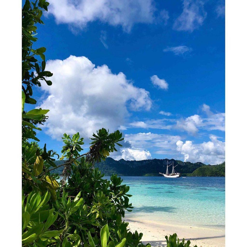 A Summer Escapade Adventurous Sailing Trip to Labuan Bajo