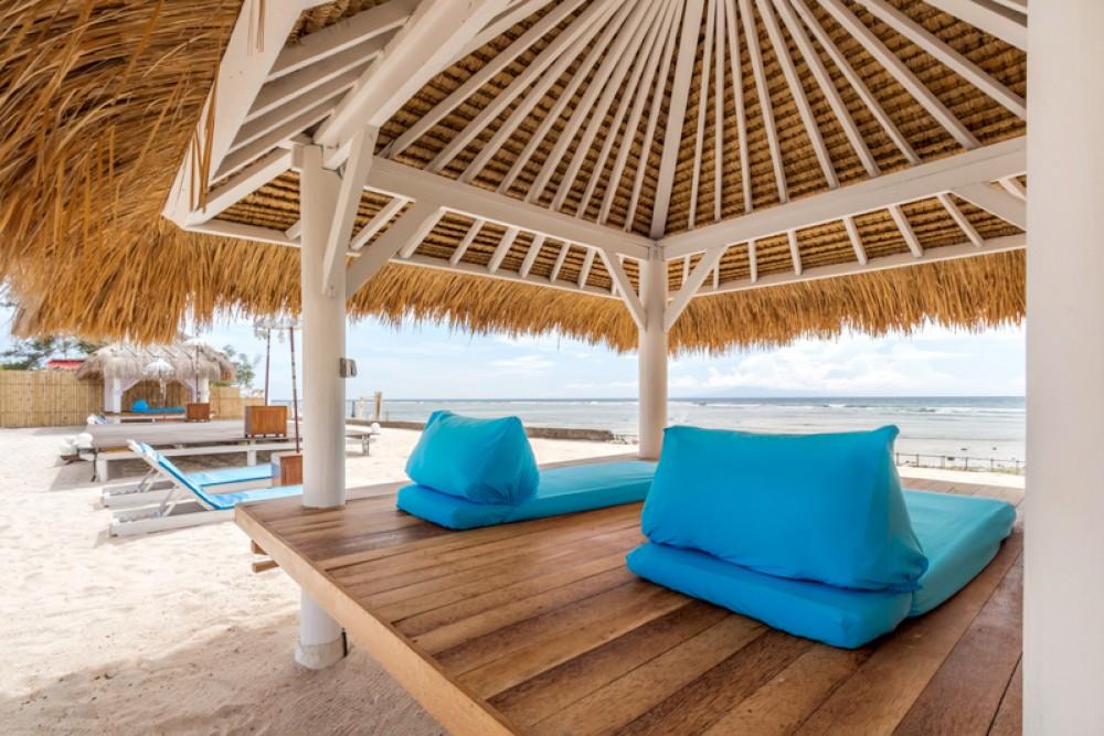 Build A Small Beach Cabana